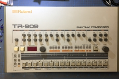 Repair Roland TR-909 Analog Drum Machine