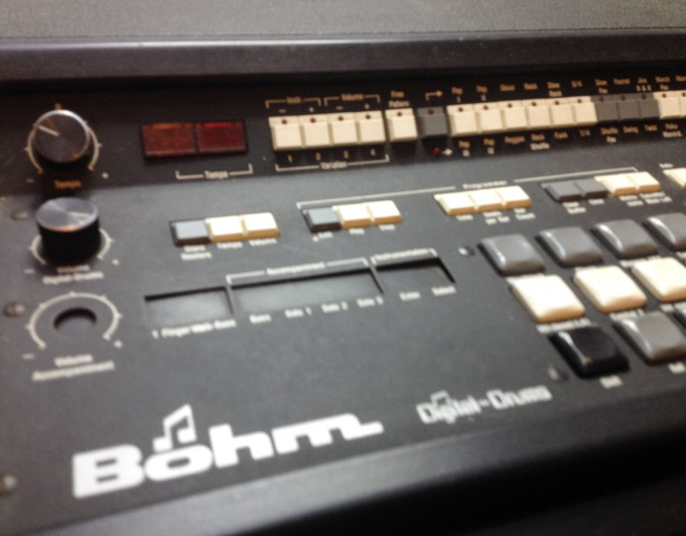 Repair Dr. Böhm Digital Drum Machine I battery damage leakage repair