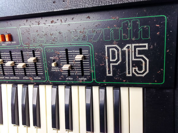 Repair EKO EKOsynth P15 Vintage Analog Synthesizer-7