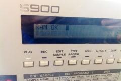 Repair Akai S900 12 Bit Sampler Reparatur Service