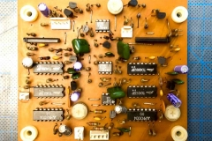 Repair Roland Jupiter 4 Analog Synthesizer Reparatur Service