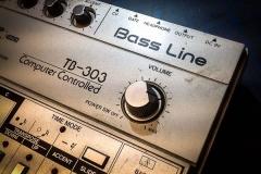 Repair Roland TB-303 Vintage Analog Synthesizer Reparatur (A2020041401)