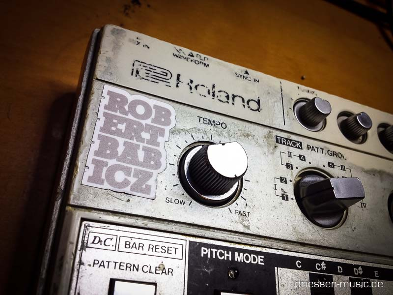 Repair Roland TB-303 Vintage Analog Synthesizer Reparatur Service
