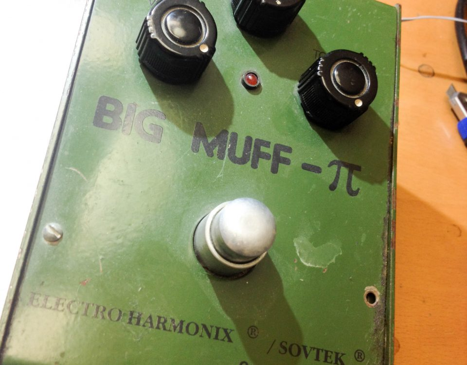 Repair Electro Harmonix Big Muff Distortion Stomp Box