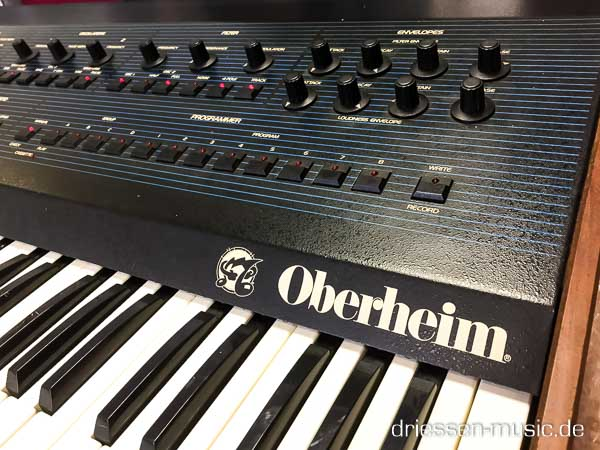 Repair Oberheim OBXa Vintage Analog Synthesizer Reparatur