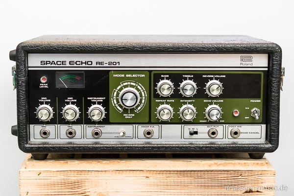 Roland RE-201 Space Echo Tape Delay