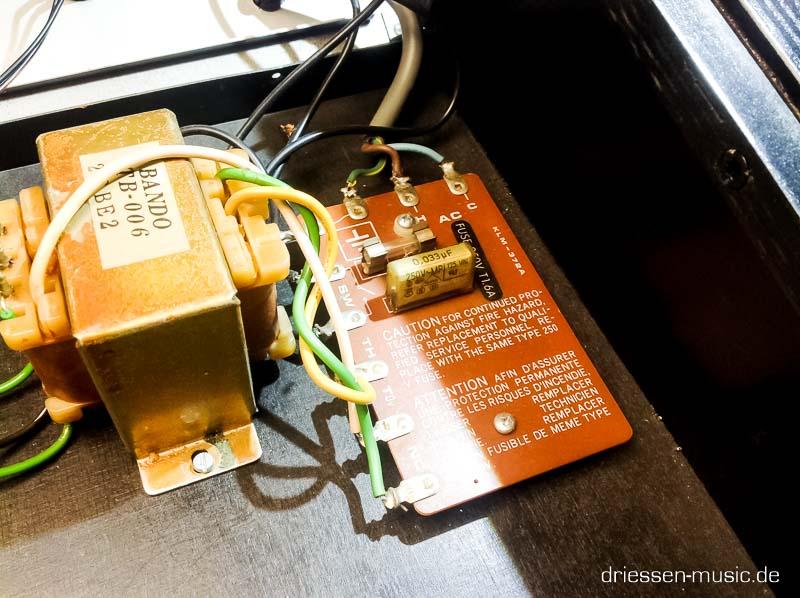Repair Korg MonoPoly Vintage Analog Synthesizer Reparatur Servic