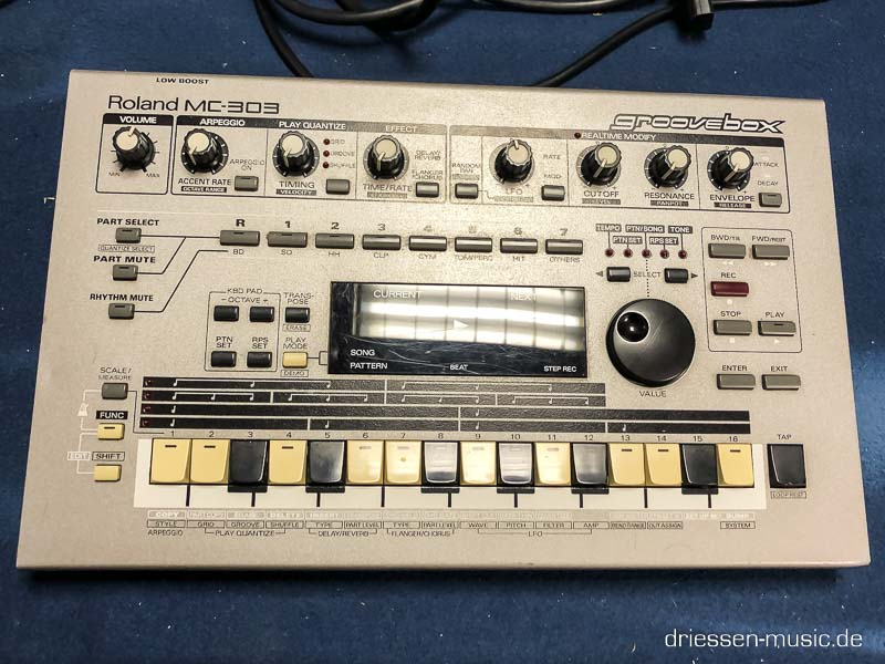 Repair Roland MC-303 Groovebox Reparatur Service