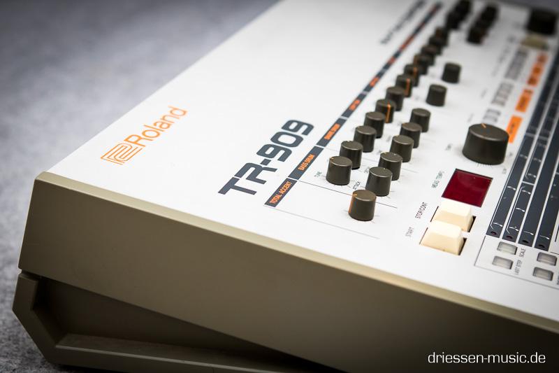 Roland TR-909 Reparatur Service