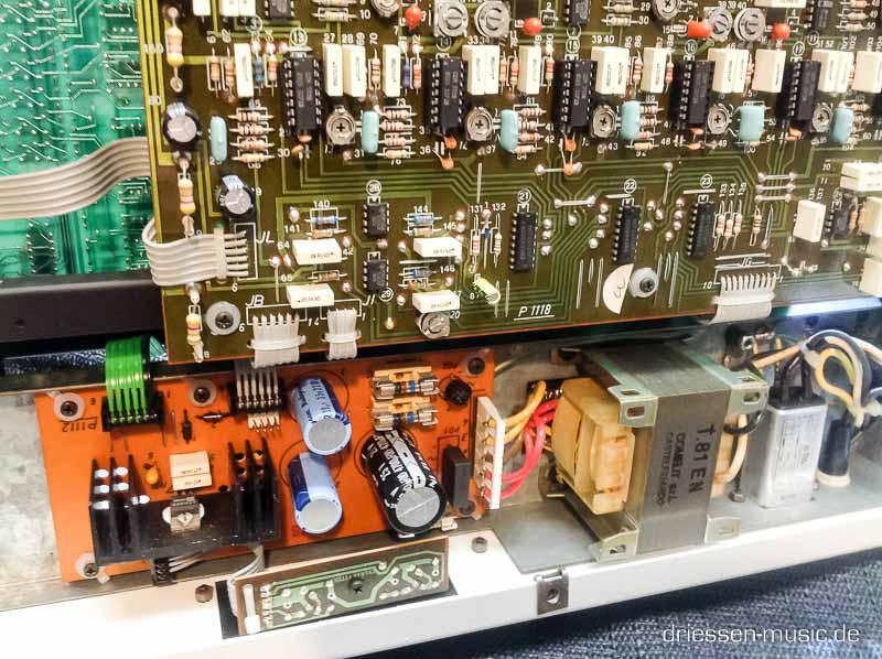 Repair Crumar Bit 01 Vintage Analog Synthesizer Reparatur Service-8